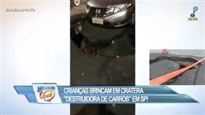 """""""Cratera destruidora de carros"""" coloca motoristas em risco no centro de SP"""