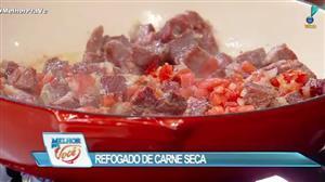 Edu Guedes ensina receita de refogado de carne seca