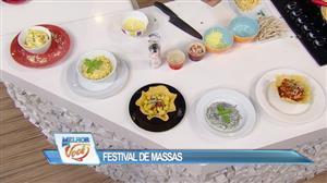 """Edu Guedes faz """"festival de massas"""" com duas opções de molho"""