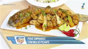 Edu Guedes e convidada ensinam receita de peixe empanado com molho picante