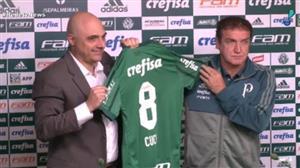 Sob muita expectativa, Cuca é apresentado no Palmeiras