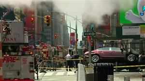 Homem invade Times Square de carro e deixa um morto