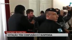 Servidores tentam invadir Câmara de Curitiba
