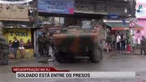 Megaoperação no Rio apreende R$ 1 milhão em drogas e armas