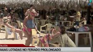 Feriado prolongado lota praias de Fortaleza