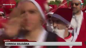 'Papais Noeis' realizam corrida na Grécia