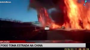 Explosão toma conta de estrada na China