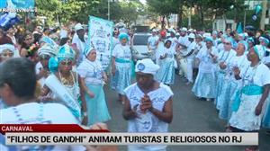 """Bloco """"Filhos de Gandhi"""" movimentam religiosos e turistas no Rio"""
