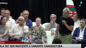 Em lançamento de livro, Lula diz ser inocente e garante candidatura