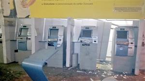 Bandidos assaltam banco na zona norte do RJ e fazem reféns