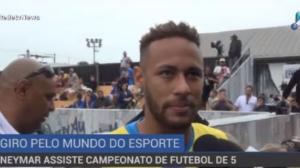 Neymar assiste campeonato de futebol na Praia Grande