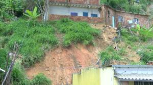 Temporal deixa pessoas mortas em Minas Gerais no último dia do ano