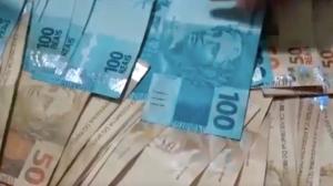 Criminosos usam a internet para vender notas falsas livremente
