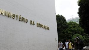 Capes anuncia corte de mais 2.700 bolsas de pós-graduação
