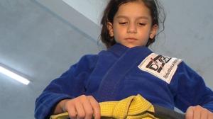 Bicampeã de Jiu-Jitsu, lutadora mirim disputará campeonato sul-americano