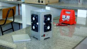 Estudantes do DF criam 'micro-ondas reverso' que gela bebidas em segundos