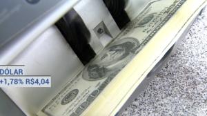 Temor de uma recessão global eleva o dólar a R$ 4,04