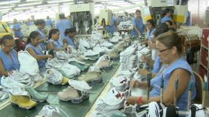 Economia brasileira avança e tem alta de 0,4% no 2ª trimestre, diz IBGE