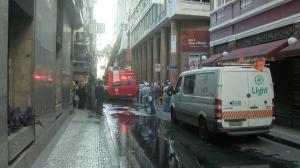 Três bombeiros morrem durante combate a incêndio no centro do Rio