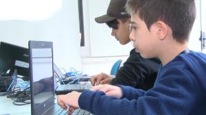 Curso ensina jovens a desenvolver várias habilidades na periferia de SP