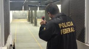 PF investiga instrutores de tiro em operação deflagrada em SP