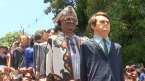 Bonecos gigantes agitam o Carnaval de Olinda, no Pernambuco
