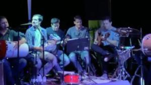 Turma de medicina se reencontra em live de samba 10 anos depois