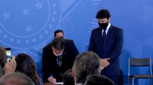 Fábio Faria assume Ministério das Comunicações