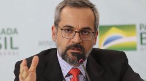 Abraham Weintraub anuncia saída do Ministério da Educação