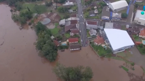 Porto Alegre sofre com fortes chuvas