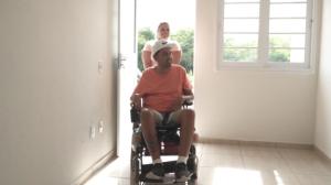 Governo de SP entrega casas adaptadas para pessoas com deficiência
