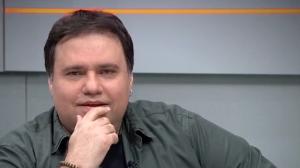 Jornalista Rodrigo Rodrigues morre por complicações causadas pela Covid-19