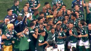 Palmeiras vence Corinthians, encerra jejum de 12 anos e é campeão paulista