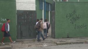 Volta às aulas presenciais divide opiniões em São Paulo