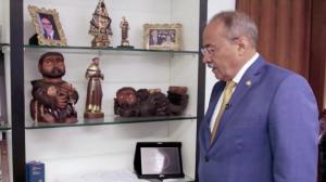 Após esconder dinheiro na cueca, senador Chico Rodrigues é afastado