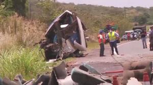 Acidente deixa 41 mortos e dezenas de feridos em rodovia de São Paulo