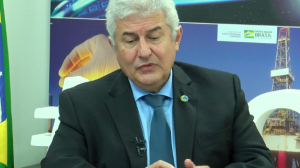 """""""Brasil está desenvolvendo três vacinas contra a Covid"""", diz ministro"""