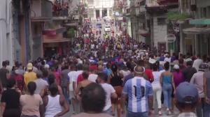 Cubanos protestam contra o governo