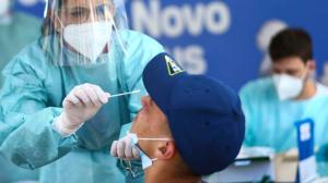 Brasil tem menor média móvel de casos de Covid desde 20 de maio de 2020