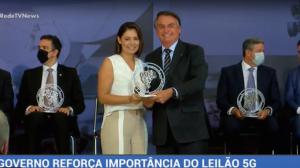 Bolsonaro participa de prêmio Marechal Rondon de Comunicações