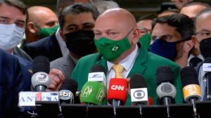 """Luciano Hang diz estar """"de coração aberto"""" antes de depoimento na CPI"""