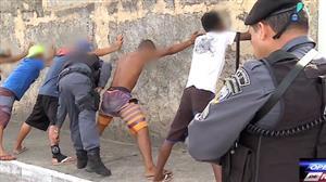 Homem com tornozeleira eletrônica é flagrado em operação contra tráfico