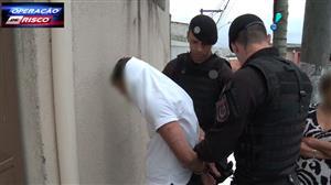 Durante patrulha, homem se entrega à polícia