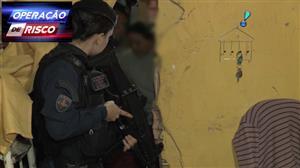 Traficante corre da PM e se esconde na casa da mãe