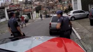 Policiais da Força Tática são recebidos a tiros em comunidade