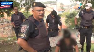 Garota de 15 anos é flagrada com drogas e admite trabalhar para o tráfico