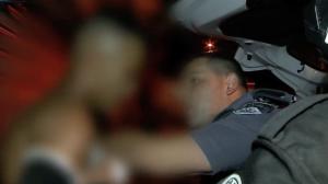 """Motoqueiro tenta resistir após perseguição e chora: """"Quebrei meu dente"""""""