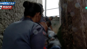 """""""Ganho R$ 40 por dia"""", diz suspeito de tráfico ao ser preso em operação"""