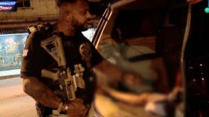 """Policial promete cesta básica e aconselha menor: """"Corre da farinha"""""""