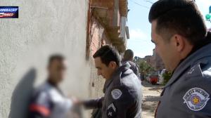 Traficante é preso após tentar correr de policiais militares